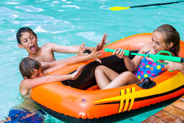 7 Awesome Swimming Pool Games